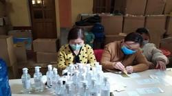 Bắt quả tang 1 công ty đang sản xuất nước rửa tay giả