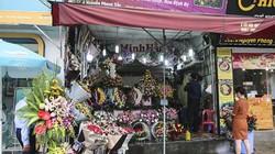 Nhiều cửa hàng, chợ hoa ế ẩm trong ngày Valentine vì virus corona