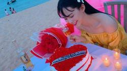 Quà tình yêu của hoa, á hậu Việt: Nhẫn kim cương, túi hiệu, hoa hồng