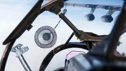 Máy bay bay 600km/h tiếp liệu cho tiêm kích ở độ cao 6.000m
