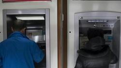 """Dịch corona: Trung Quốc khử trùng, """"cách ly"""" tiền giấy 14 ngày"""