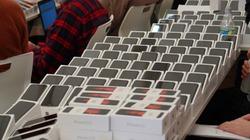 Chính phủ Nhật phát miễn phí 2000 iPhone cho hành khách bị cách ly virus Corona