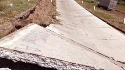Đáng lo: Hơn 120m đê biển Tây ở Cà Mau bị sụt lún nghiêm trọng