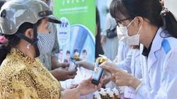 ĐH Lạc Hồng tặng 10.000 chai gel rửa tay tự sản xuất chống Covid-19