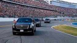 """Tổng thống Donald Trump lái """"Quái thú"""" bọc thép tại đường đua Daytona"""