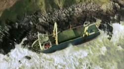 """""""Tàu ma"""" không một bóng người lênh đênh suốt 15 tháng, trôi dạt bờ biển Ireland"""