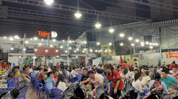 Bất chấp dịch Covid-19 và Nghị định 100, nhiều quán nhậu tại TP.HCM đông khách trở lại