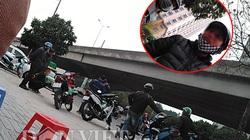 """Hà Nội: Điểm đen xe ôm truyền thống """"bắt nạt"""" xe ôm công nghệ"""