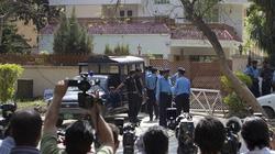 Vợ con Bin Laden bị tống giam và phạt tiền