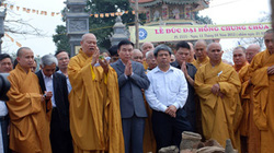 Đúc chuông chùa lớn nhất Nghệ An