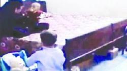Pakistan trục xuất  vợ con Bin Laden