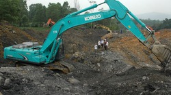 Vụ sạt lở mỏ than: Thấy thi thể nạn nhân đầu tiên