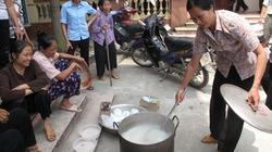 """Hà Nội: Nghi tham nhũng, cả nghìn dân """"vây"""" trụ sở xã"""