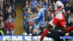 Torres lập hat-trick, Chelsea hủy diệt QPR