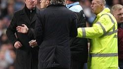 """Alex Ferguson đòi """"ăn thua đủ"""" với Mancini"""