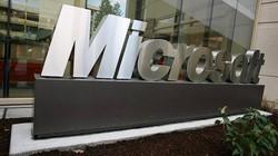 """Microsoft sáng chế điện thoại màn hình """"kép"""""""
