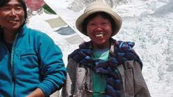 Cụ bà 73 tuổi đoạt kỷ lục chinh phục nóc nhà Everest