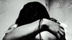 Bé gái 5 tuổi bị chủ nhà trẻ xâm hại tình dục?