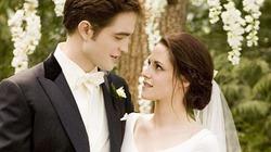"""""""Nụ hôn đẹp nhất"""" thuộc về cặp đôi """"Chạng vạng"""""""