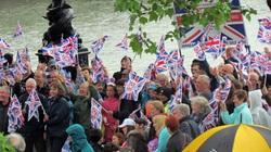 Nước Anh ngập tràn sắc xanh - đỏ trong Đại lễ Kim cương
