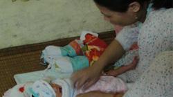 Hà Nội: Sản phụ sinh con sau... 2 năm mang bầu