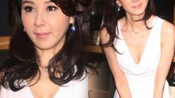 Váy ôm khoe đường cong, U50 đẹp tựa thiếu nữ 17