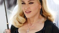 """Bất chấp dư luận, Madonna tiếp tục """"khoe hàng"""""""