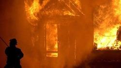 Gia đình 3 người chết cháy trong đêm
