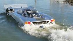 Ô tô thể thao lội nước đầu tiên trên thế giới