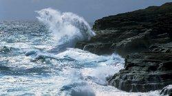 Khánh Hòa: Làm kè chắn sóng bằng nix thải