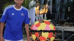 Sinh nhật tuổi 40, Zidane ra sân cùng con trai