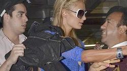 Paris Hilton tốc váy vì ẩu đả với paparazzi