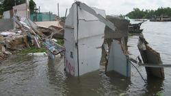 Cần Thơ: Sụt lở nhấn chìm 11 ngôi nhà
