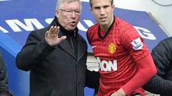 Sir Alex mượn Van Persie để chế nhạo Man City