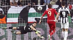 """Clip: Bayern """"đánh sập"""" Juventus Arena"""