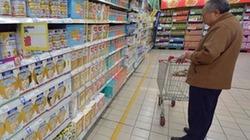"""Trung Quốc vơ vét sữa bột """"xách tay"""" từ châu Âu"""