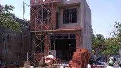 Chủ nhà nằm chết trong căn nhà đang xây