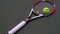 Tăng huyết áp có nên chơi bóng đá, tennis?