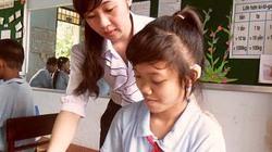 2 nữ sinh khiếm thính vẽ tranh cuốn hút, viết chữ đẹp