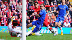 Clip: Suarez cứu Liverpool khỏi thất bại trước Chelsea