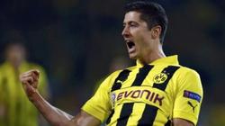 """""""Chúa"""" từng ngăn Lewandowski đến với nước Anh"""