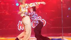 """""""Cặp già hoàn mỹ"""" nhảy sung, chấn động Cặp đôi hoàn hảo"""