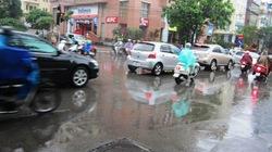 Hà Nội thoát ngập sau cơn mưa lớn đầu mùa