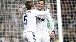 Chelsea chi 80 triệu bảng mua bộ ba của Real