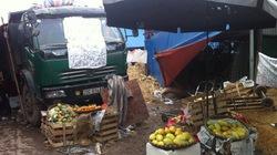 Doanh nghiệp ngang nhiên đổ đất vây chợ