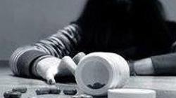 Thiếu nữ vào nhà nghỉ uống thuốc sâu tự tử