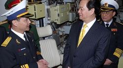 Thủ tướng kiểm tra tàu ngầm sản xuất cho Việt Nam