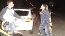 Maradona choảng thợ săn ảnh bằng đòn hiểm