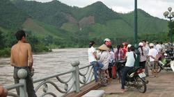 Tìm thấy thi thể học sinh bị trượt chân khi qua sông