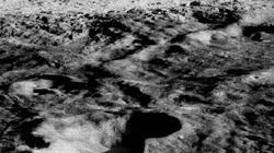 NÓNG: Phát hiện khoáng chất lạ trên mặt trăng